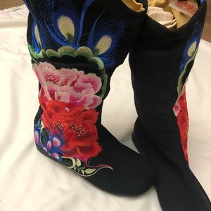 Embroidery boots new